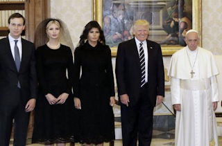 Vatican-Vetted Magazine Accuses Steve Bannon of 'Apocalyptic Geopolitics'