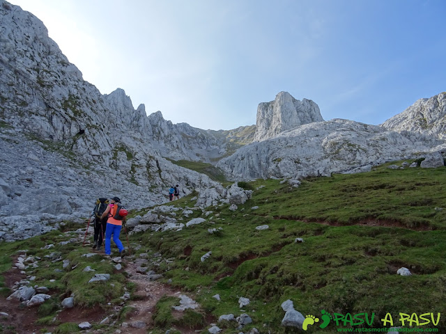 Ruta Requexón - Cotalba: Subiendo la Llampa Cimera
