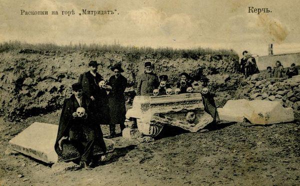 Раскопки античных гробниц на Митридате в Керчи
