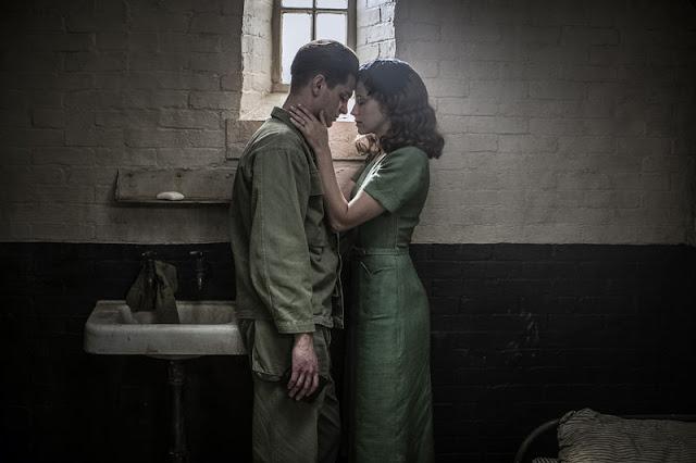 Mel Gibson's, Hacksaw Ridge, intimate scene, dead bodies, Andrew Garfield
