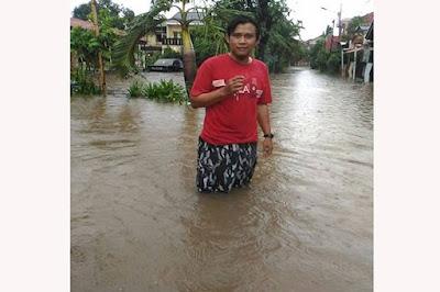Jakarta Terendam Banjir, Ahok Hanya Bisa Menunggu Hujan Berhenti