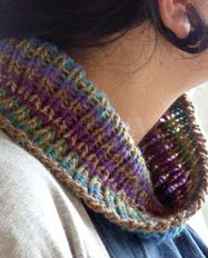 http://www.ravelry.com/patterns/library/alba-no-moebius-neckwarmer