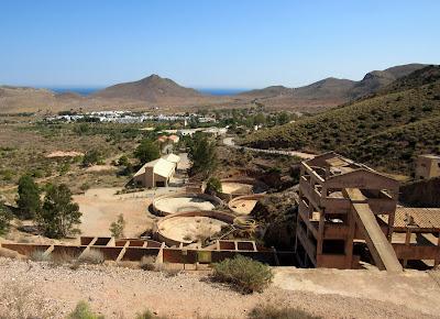 Infraestructura de la antigua mina de Rodalquilar en Cabo de Gata