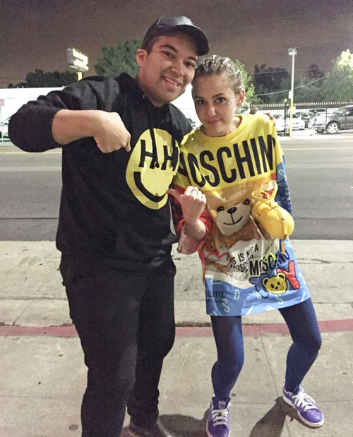 Miley Cyrus Runs Into a contented crusader On The Streets of los angeles