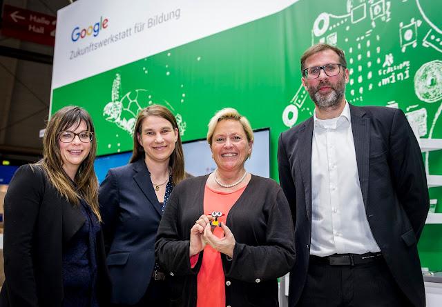 Gruppenfoto mit Dr. Sigrid Fahrer, Sabine Frank, Dr. Susanne Eisenmann und Thorsten Leimbach