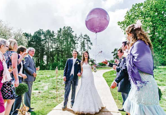 9 Unforgettable Moments For Your Wedding Guests