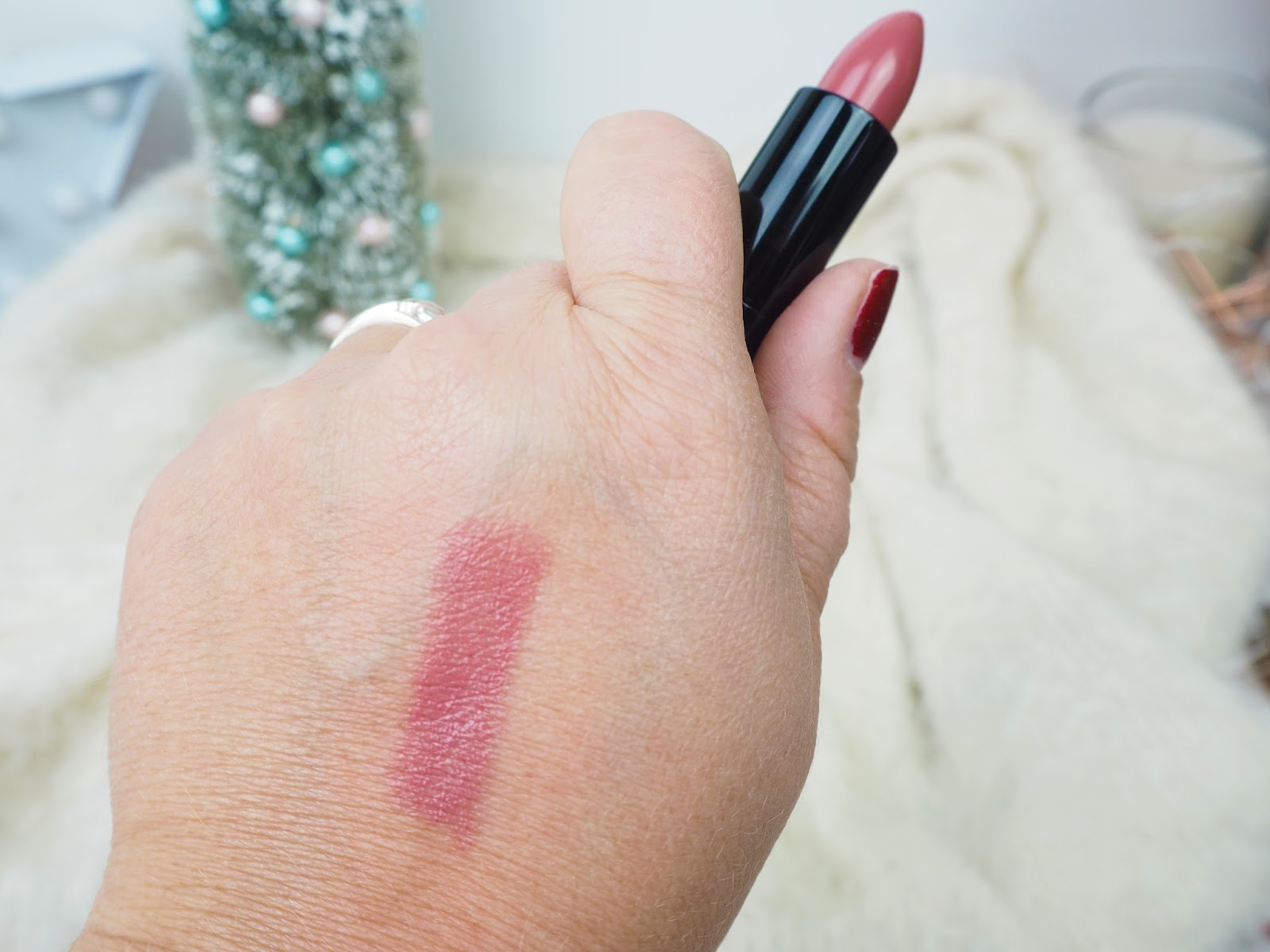 Doll 10 Hydragel Lipstick in Star-Struck