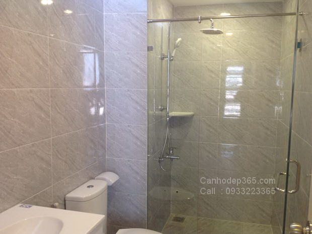 12--cho-thue-can-ho-the-prince-residence-thiet-bi-toilet-cao-cap