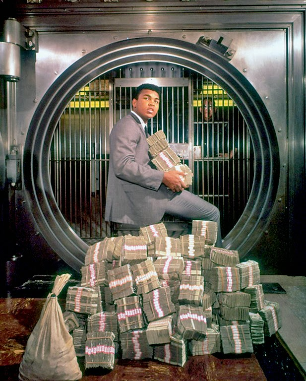 Muhammad Ali With His Winnings In 1974 Vintage Everyday