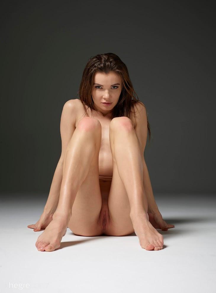 title2:Hegre Veronika V Nude Gallery title2hegre 07230
