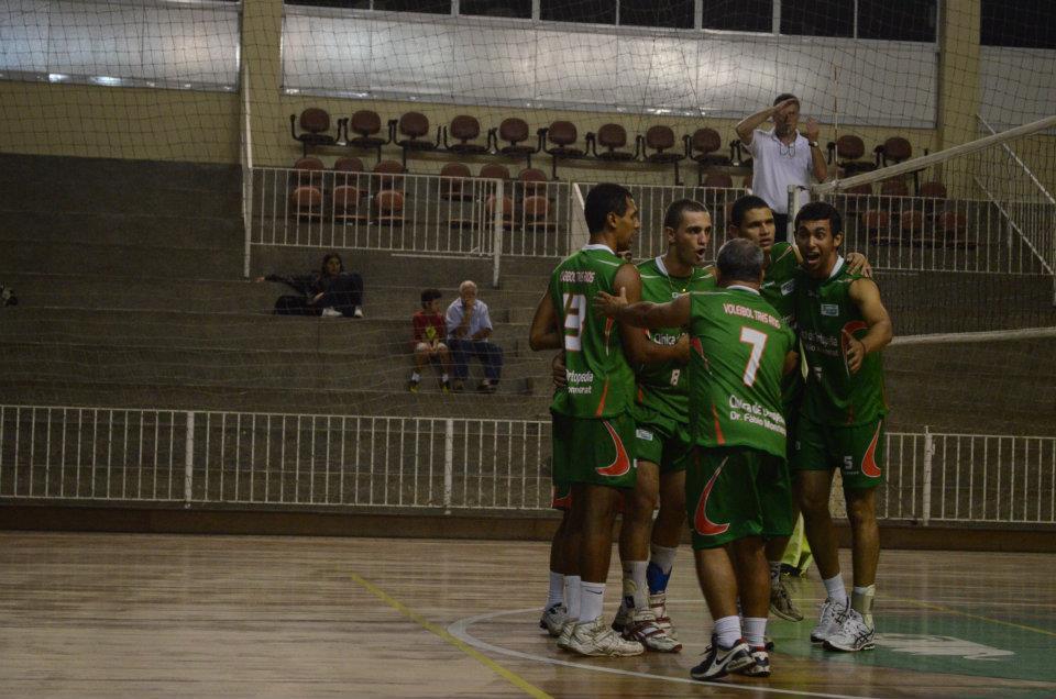 Voleibol Três Rios fica com o 2º lugar na 1ª etapa da Circuito ... 5657d1e946188