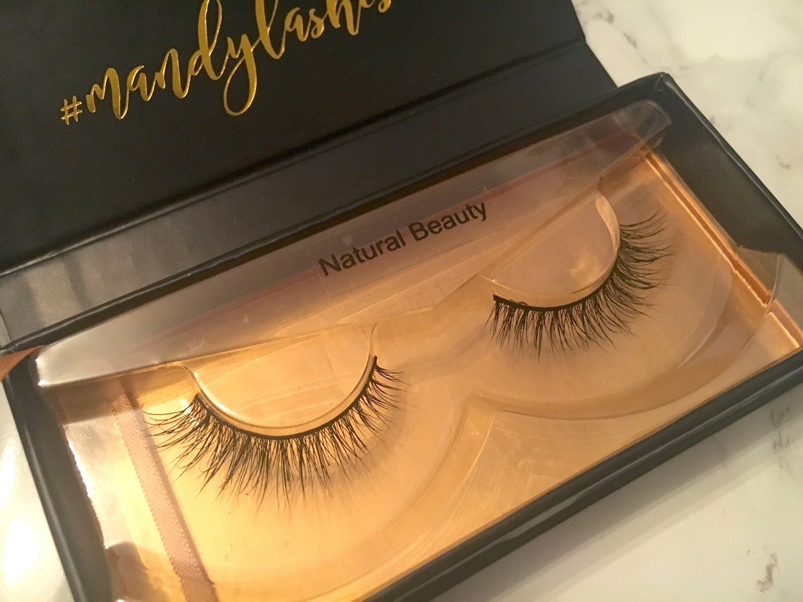 Mandy Lashes Bombshell Natural Beauty