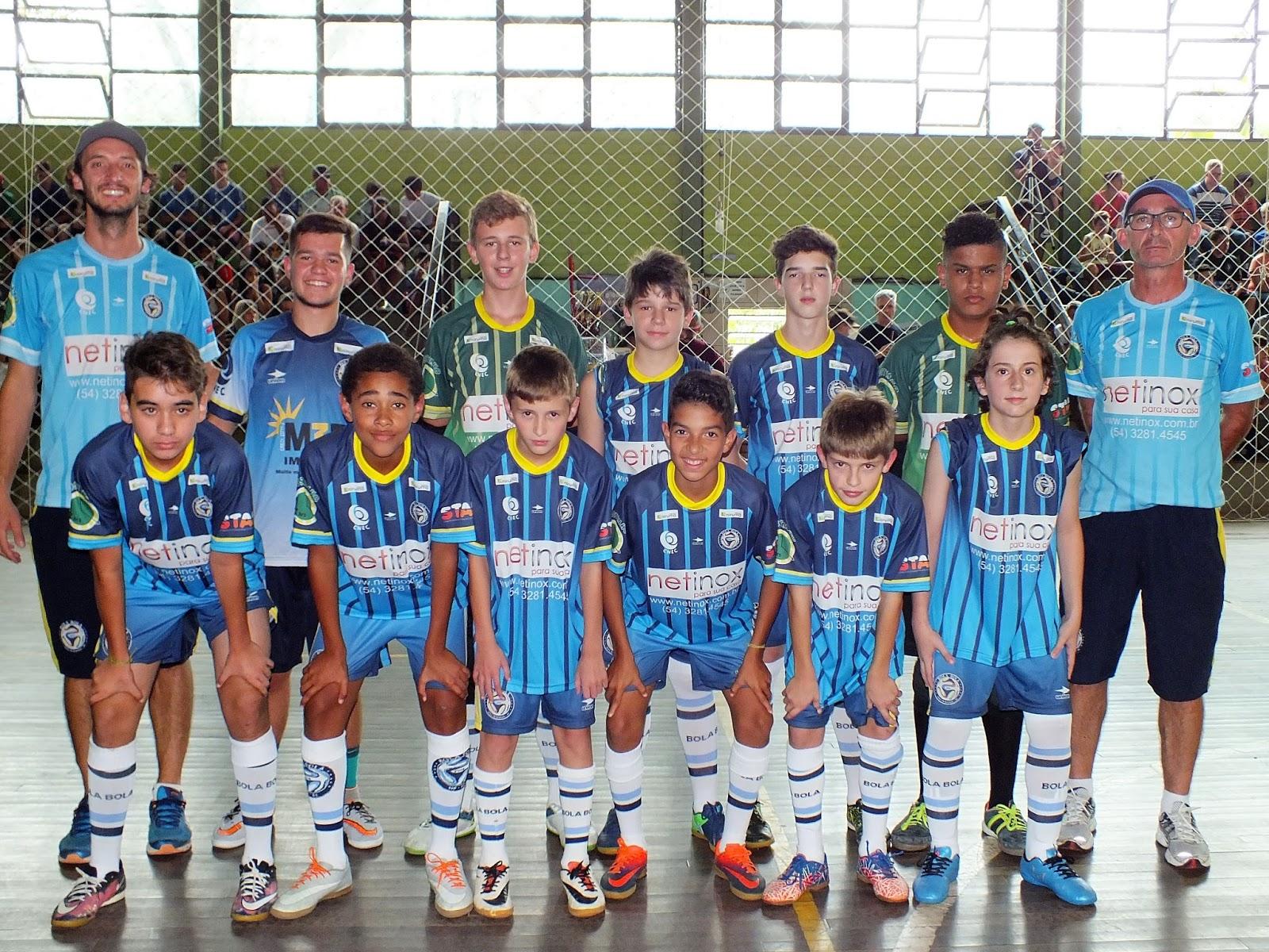 d7ad03827 Categoria Sub-13 da Escolinha Bola Bola. Foto - Vinícius Martins