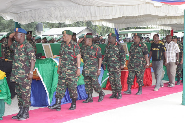 Waziri Mkuu Aongoza Waombolezaji Kuaga Miili ya Askari 14 wa JWTZ Waliouwawa na Waasi Kongo