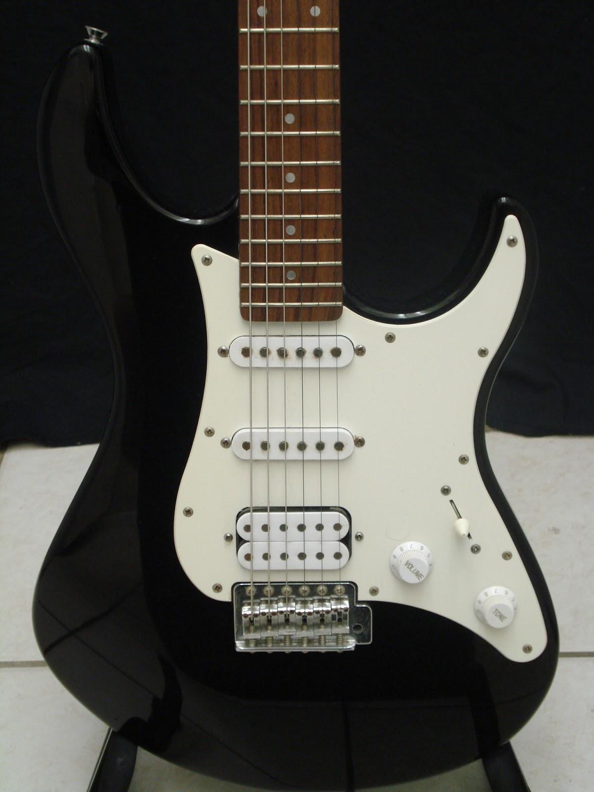 socal gear museum 2000s yamaha eg112c electric guitar. Black Bedroom Furniture Sets. Home Design Ideas