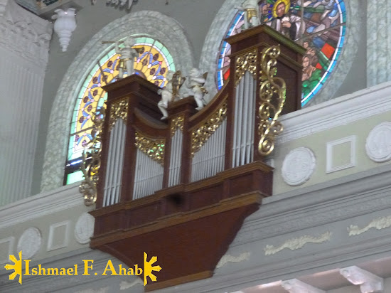 Pipe organ in Nasugbu Church