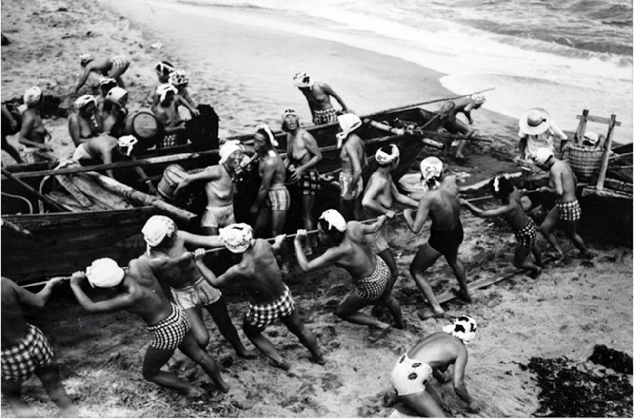 Traditional ama divers used a minimum amount of equipment.