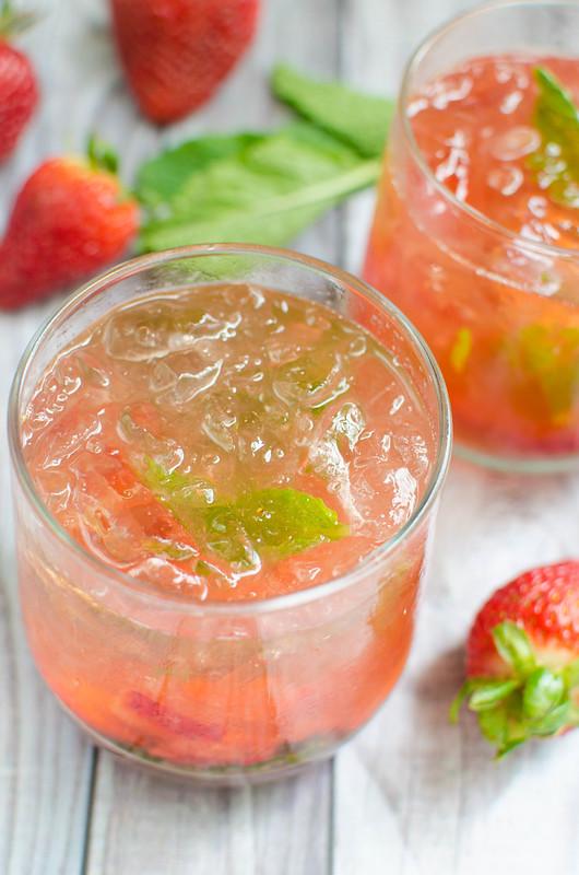 Strawberry Basil Bourbon Smash #basil #drink