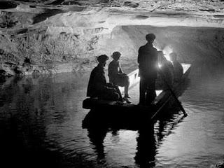 Paseo en barco - Mammoth Cave a principios del siglo XX