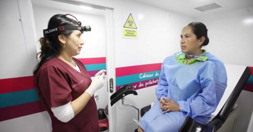Clínica Itinerante de EsSalud previene a cientos de asegurados en cáncer - www.essalud.gob.pe