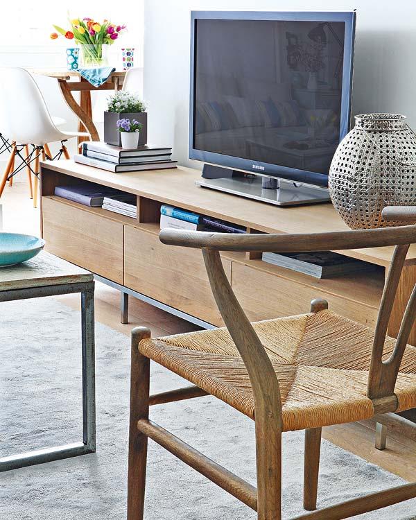 mueble sencillo para la televisión