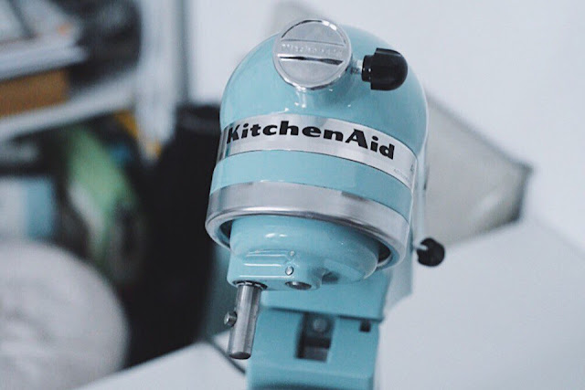 KitchenAid Artisan Series 5-Qt. Stand Mixer with Pouring Shield   KSM150PSAQ   Aqua Sky