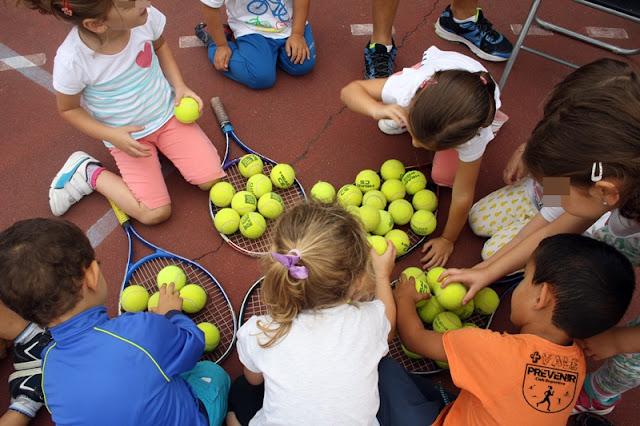juego tenis niños arucas