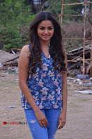 Nithya Ram Pos in Skinny Jeans at SUN TV Nandini Serial Press Meet .COM 0003.jpg