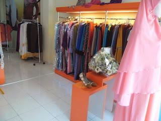 interior toko pakaian cantiqu semarang 04
