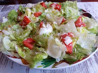 Салата айсберг с домати - рецепта