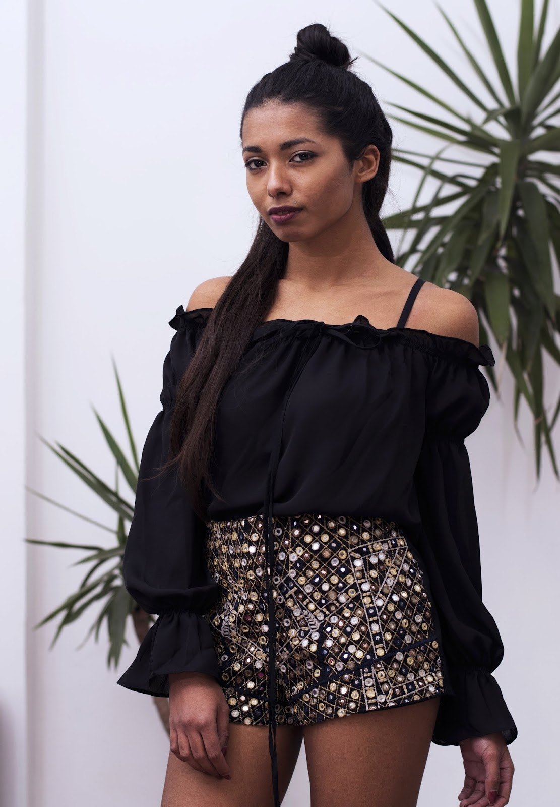 9 BLACK TOPS TO WEAR WITH ALMOST EVERY OUTFIT