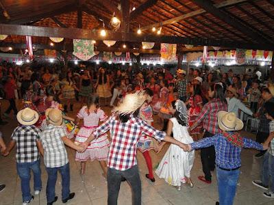 http://armaduracristaodo.blogspot.com.br/2016/06/festa-junina-da-paroquia-menino-jesus.html