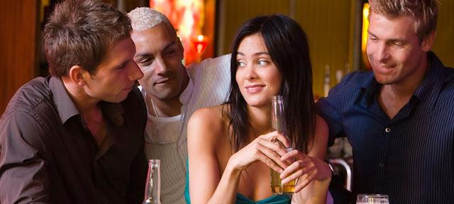 è meglio rimorchiare una ragazza in un social rispetto ai siti di incontri