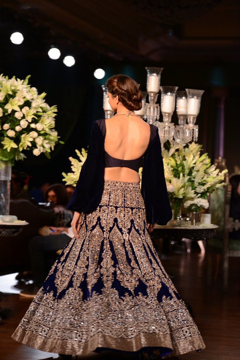 Indian Actress Deepika Padukone Hot Navel Show Stills In Blue Dress