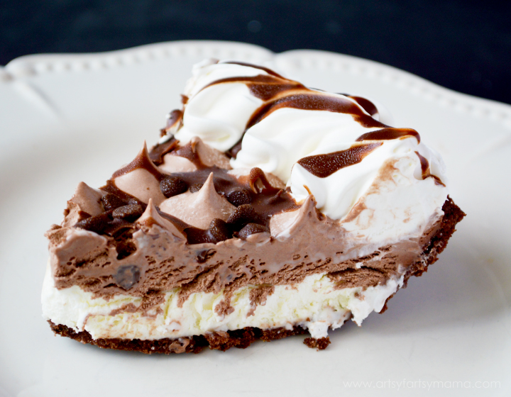 EDWARDS® HERSHEY'S® Chocolate Crème Pie at artsyfartsymama.com