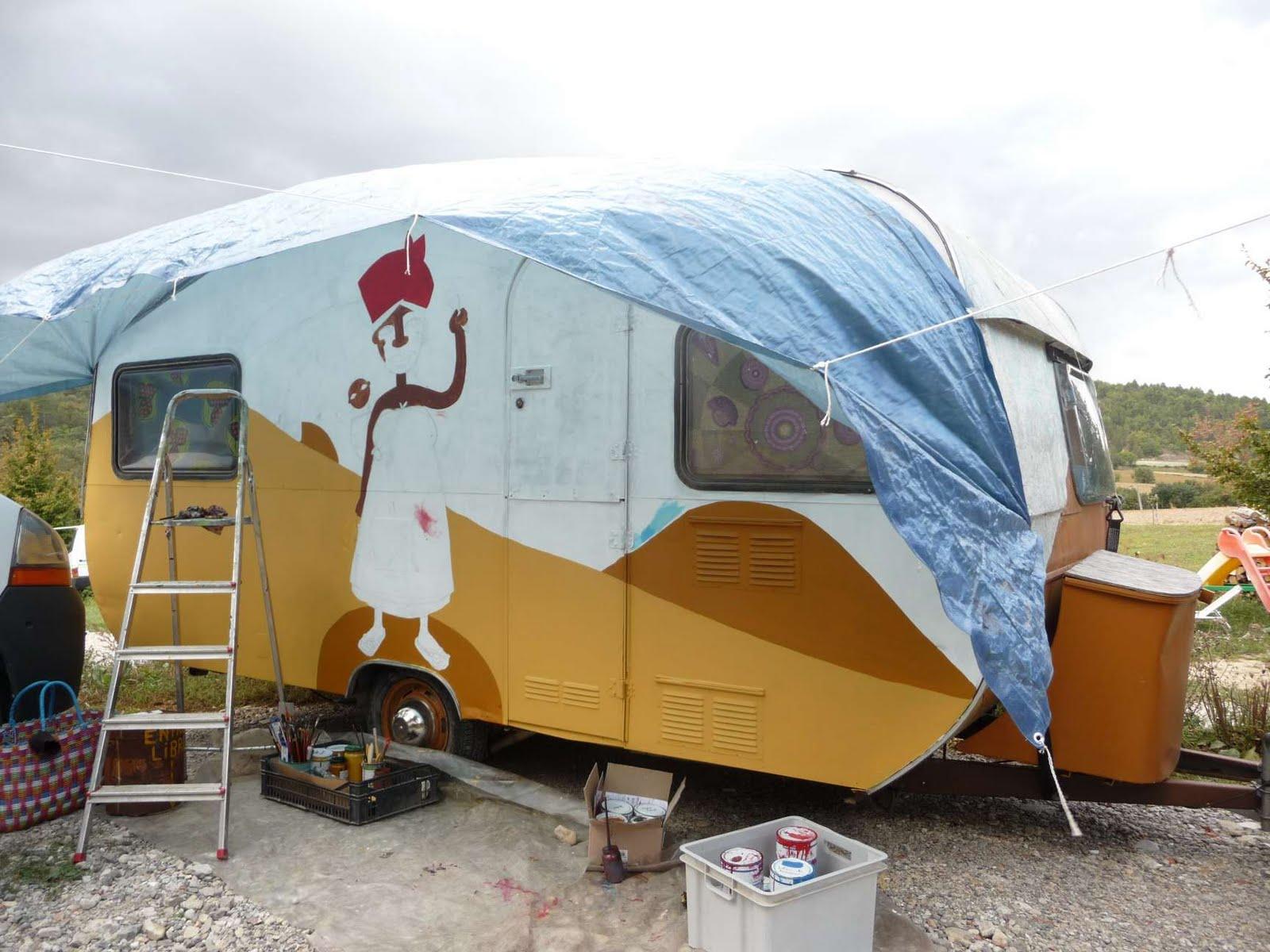 atelier des zarkyroul restauration de la caravane dessin et peinture. Black Bedroom Furniture Sets. Home Design Ideas