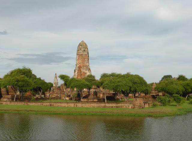 Foso de Wat Phra Ram