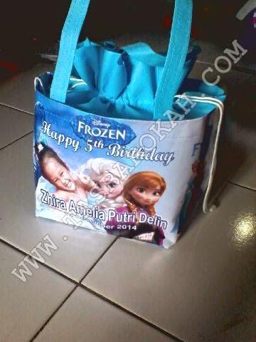 souvenir tas ultah anak dengan foto anak model tas ultah serut