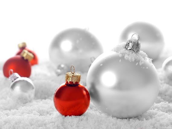 download besplatne Božićne pozadine za desktop 1600x1200 čestitke blagdani Merry Christmas kuglice za bor