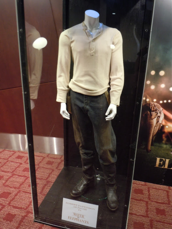 Robert Pattinson film costume Water for Elephants