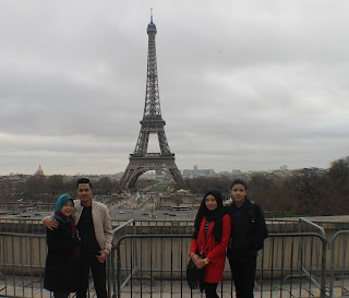 http://aziejaya.blogspot.my/2016/03/paris-day-1-alhamdulillah-paris-lagi.html