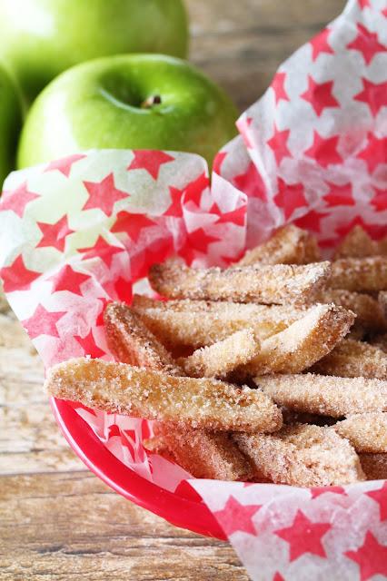 "Apple ""fries"" sprinkled with sugar in a basket"