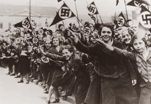 Anexiones de ayer y hoy, presentan: la Anschluss
