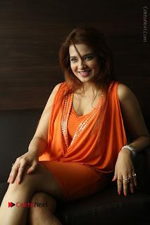 Actress Saloni Aswani Pos in Short Dress at Meelo Evaru Koteeswarudu Movie Interview  0199.JPG