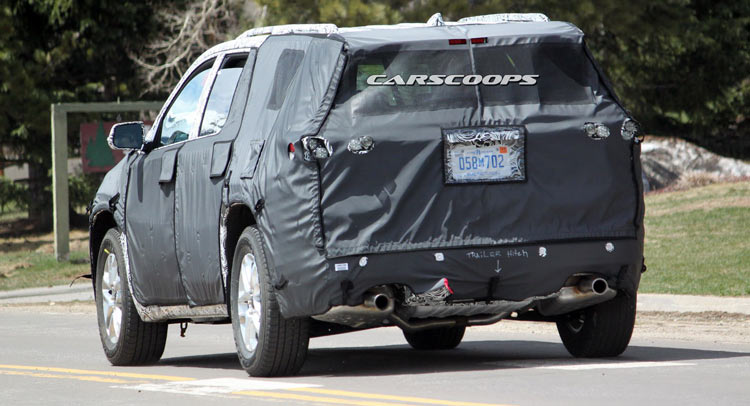 U Spy Chevrolet Traverse Suv The Gmc Acadia S Roomier Brother