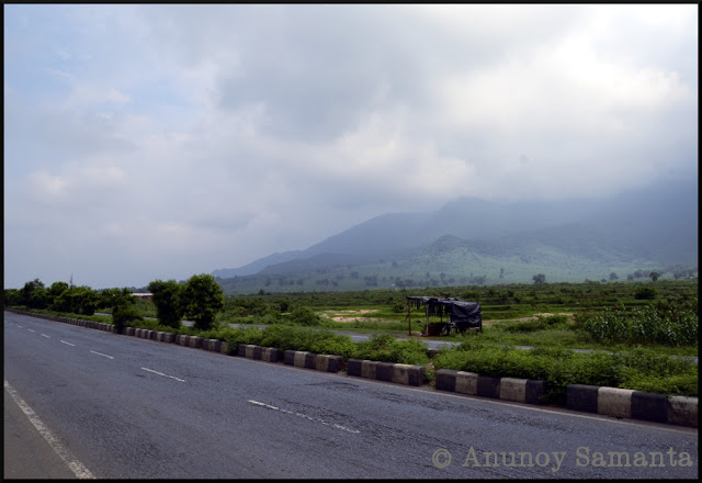 Monsoon Ride to Giridih - visit to the untamed Usri Falls and lofty Harihar Dham Temple