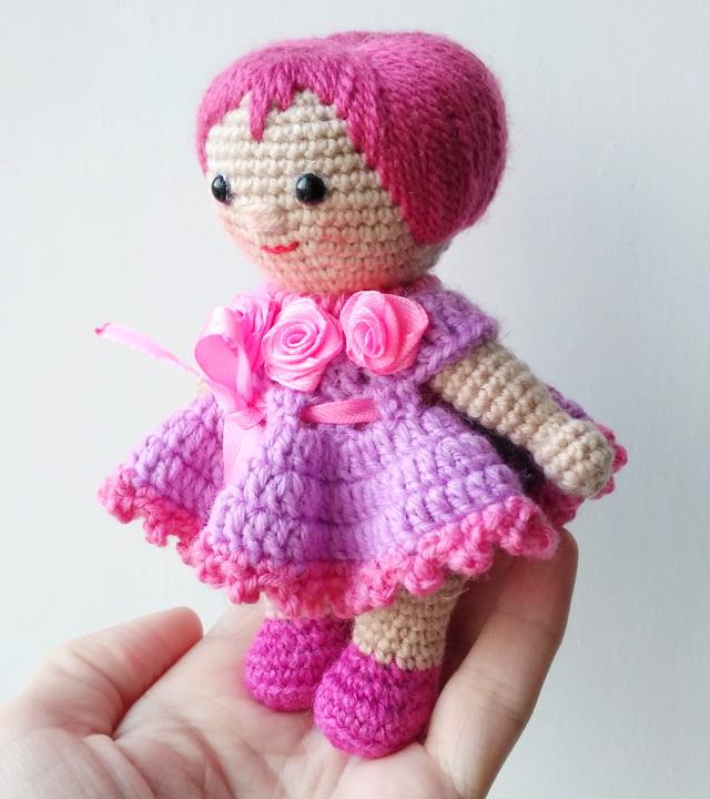 игрушку вязанное платье на