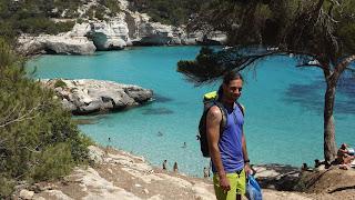 Türkizkék tenger Menorca-n