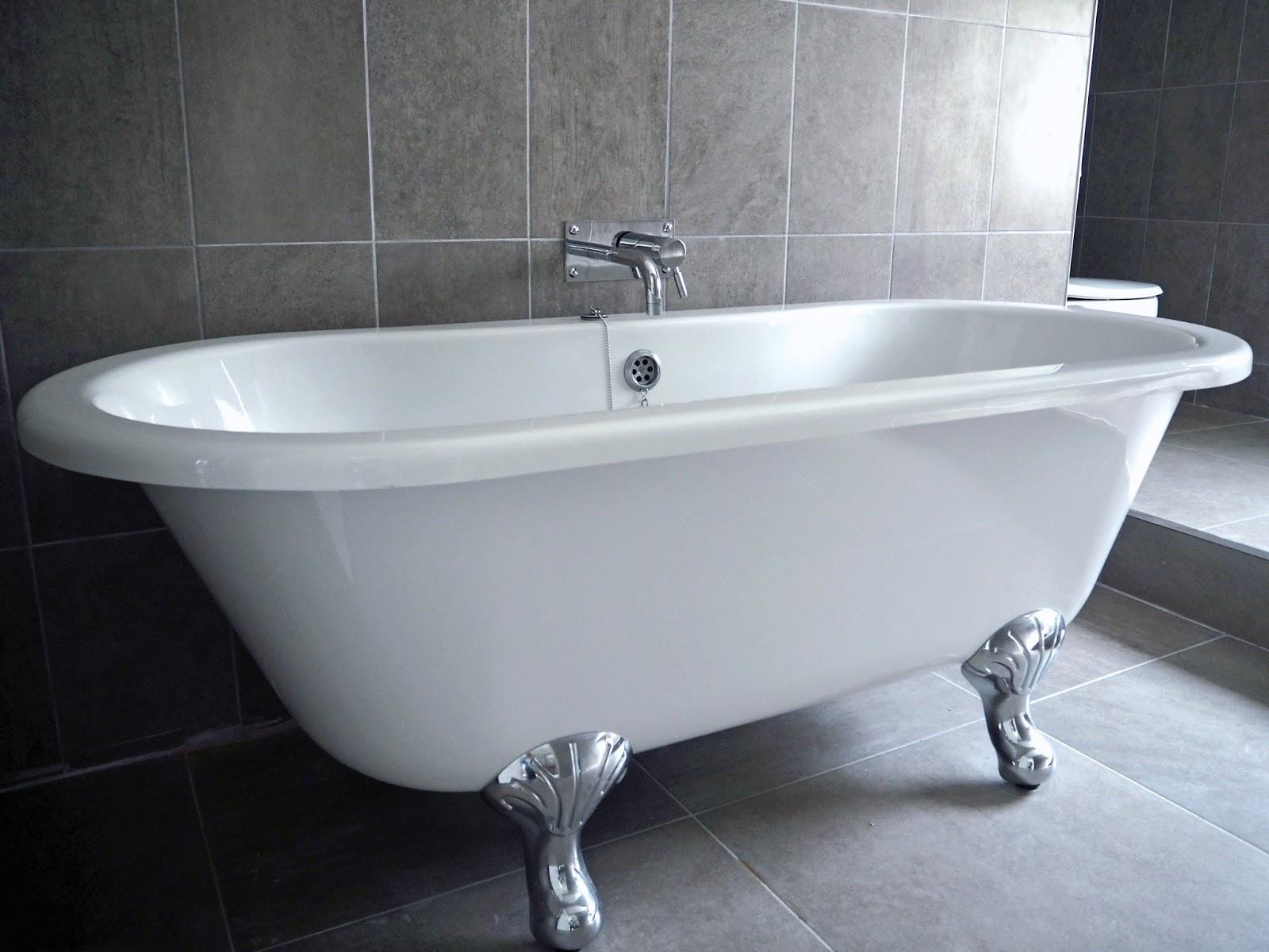 Rolltop bath in suite room 51, Stirk House, Gisburn