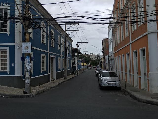 Até quando a Rua José Taboada vai continuar com o trânsito invertido?